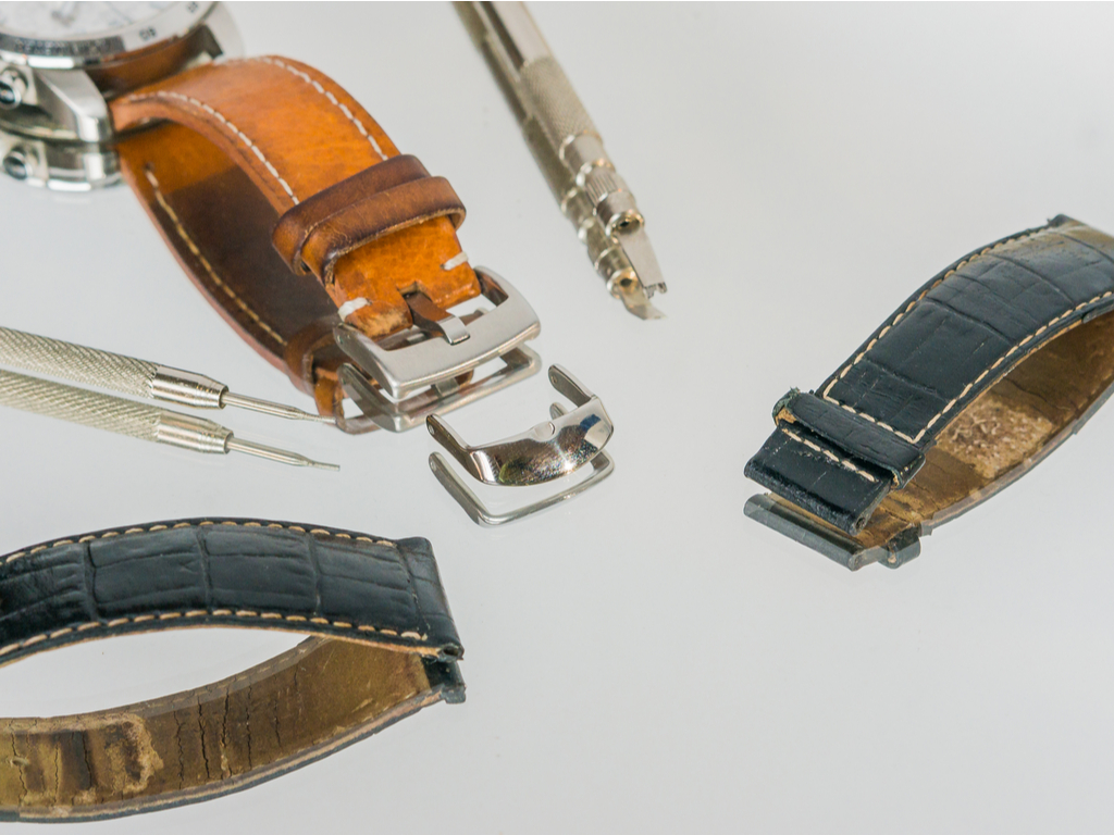 Learn How to Change a Breitling Watch Strap